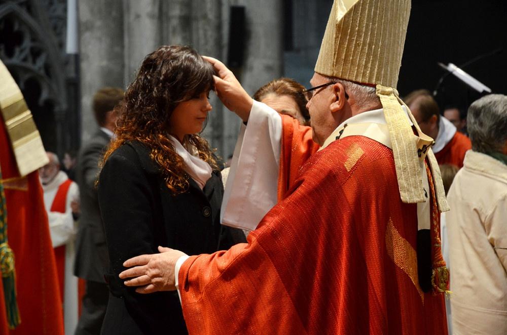 Bierzmowanie w różnych wyznaniach chrześcijańskich
